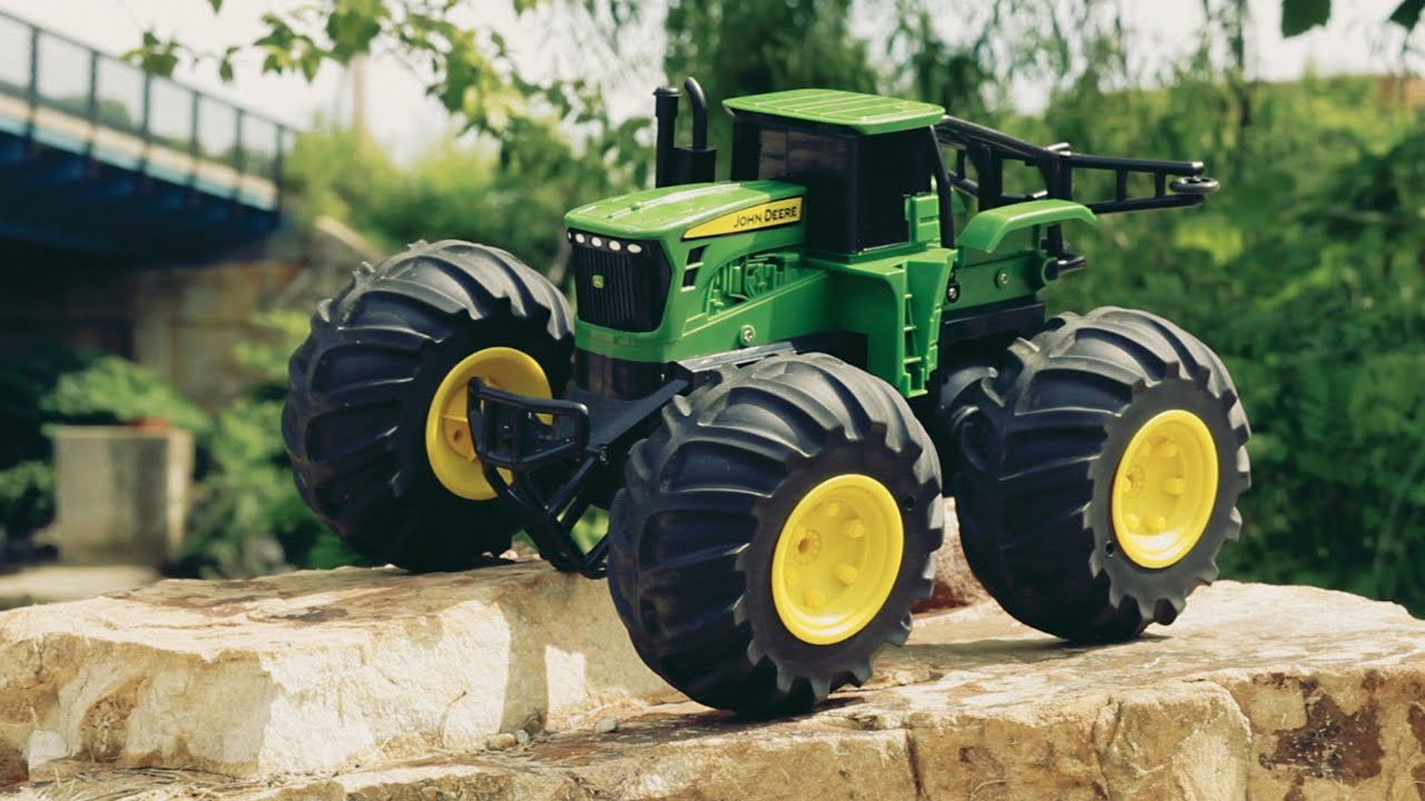 ferngesteuerter traktor john deere youtube. Black Bedroom Furniture Sets. Home Design Ideas