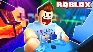 MAKING MY OWN ROBLOX ARCADE!!