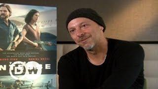 """José Padilha fala sobre seu novo filme, """"7 dias em Entebbe"""""""