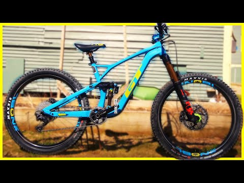 First Look at my New GT Force Trail Bike! - Skills with Phil Bike Check 2019