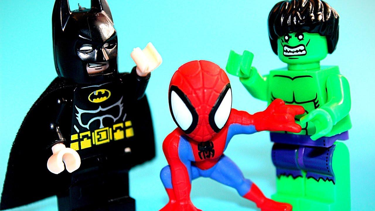 ХАЛК опоздал к Бэтмену! Нападение динозавров! Супергерои Спайдермен Супермен и герои лего