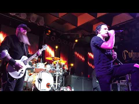 THREE DAYS GRACE - I Hate Everything About You - Live