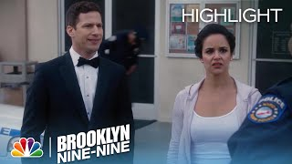 Brooklyn Nine-Nine - Amy's Ex-Boyfriend Arrives on Her Wedding Day (Episode Highlight)