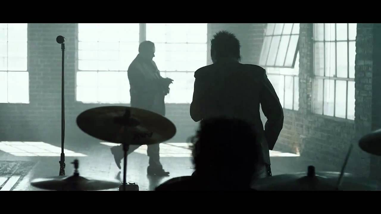 Papa Roach - Burn - music video - clean version (@paparoach)