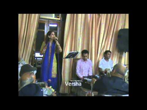 Aja meri barbad mohabbat ke sahare sung by Versha