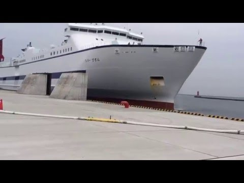 初入出港 下り新造船フェリーびざん 徳島新ターミナル