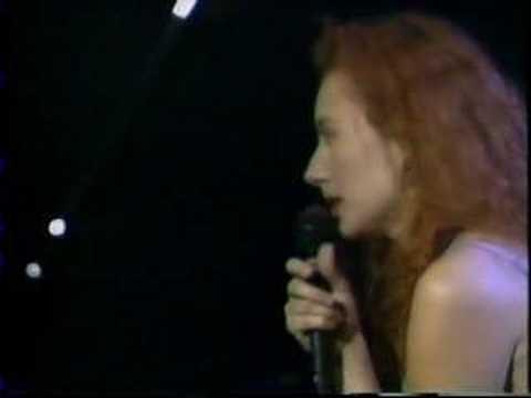 Tori Amos Me and A Gun Live