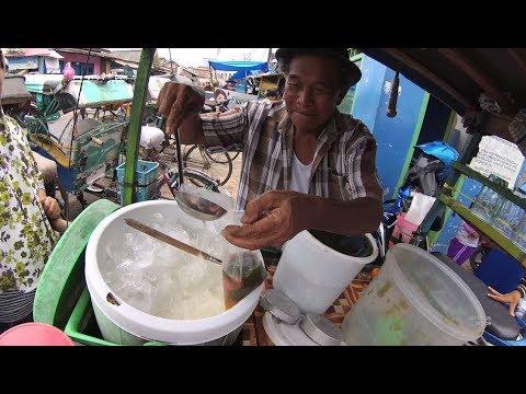 GJ Street Food 1639 Old Man Sells Cincau Ice Es Cincau depan Pasar Chimenk Bandar Lampung