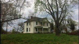 Urban Exploration: Abandoned Century-Old Manor Tennessee