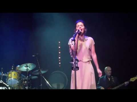 Katie Melua - On The Road Again (Live Zénith Arena Nantes 06-12-2013)