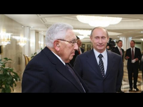Vladimir Putin and Henry Kissinger Meet To Discuss New World Order