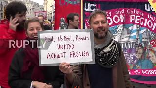 UK: Police scuffle with antifascist demonstrators in London