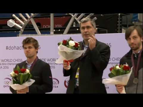 Funny moment during World Rapid award ceremony with Magnus Ivanchuk Grischuk