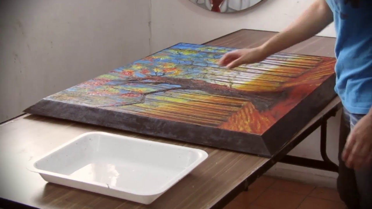 Cómo tensar un lienzo ya pintado a un bastidor. - YouTube