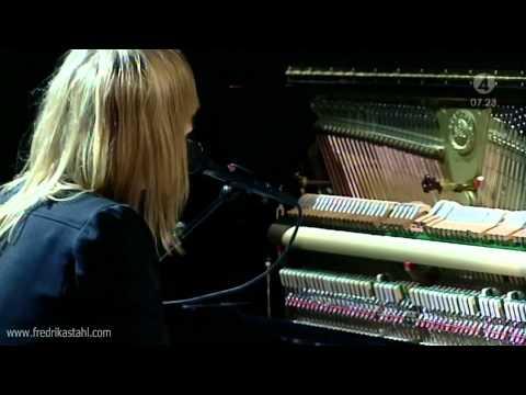 musique de pub NISSAN juke  Stahl Fredrika : Twinkle Twinkle Little Star