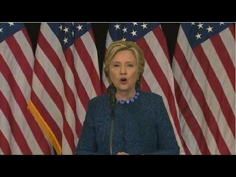 Hillary Clinton: le FBI relance l'affaire des e-mails