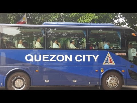 KINAKABAHAN NA SI MAYOR, Bus carried Mayors to Malacañang to meet PRRD