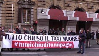 Roma, la protesta dei tassisti blocca via XX Settembre: