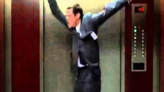 Джим Керри   I believe I can fly(http://vk.com/fun_jim_carrey Лучшие ролики из фильмов в исполнении Джима Кери., 2012-11-03T16:53:23.000Z)