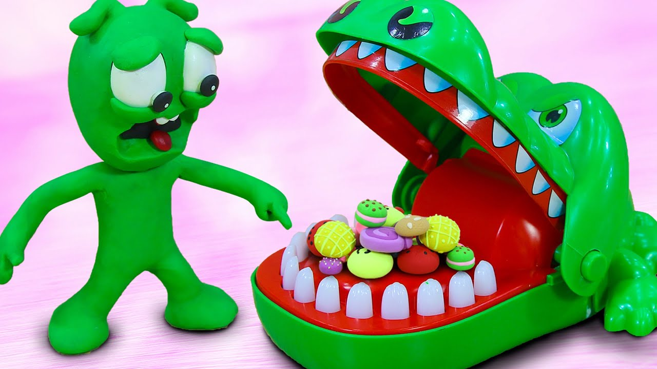 PEA PEA Reaction Crocodile Dentist Challenge - Stop Motion Play Doh Cartoons