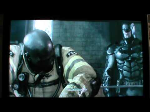 Batman Arkham Knight - Batman parla con i suoi 11 nemici imprigionati nel Commissariato