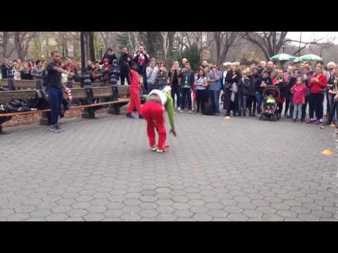 Видео, Уличные танцоры-комики 2, Нью-Йорк