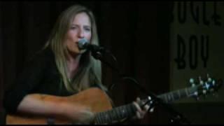 Elizabeth Wills - FAVORITE THING (Live)