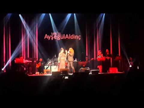 Ayşegül Aldinç Feat Eflatun Seni Sevmek Varya