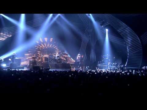 Queen ft  Adam Lambert   Medley MTV EMA 2011 www clipsdown com