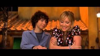 The Lizzie McGuire Movie - Lizzie & Gordon Kiss