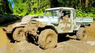 RC Extreme Pictures — RC Cars OFF Road 4x4 Adventure — Mudding 4x4 Trucks Rubicon, Toyota FJ45, R1