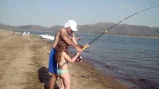 Jazmin y Leo Castro. Pesca de Carpas. Dique Los Molinos Cordoba. www.aquipesca.com