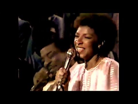Natalie Cole - Just A Closer Walk With Thee / feat: James Cleveland