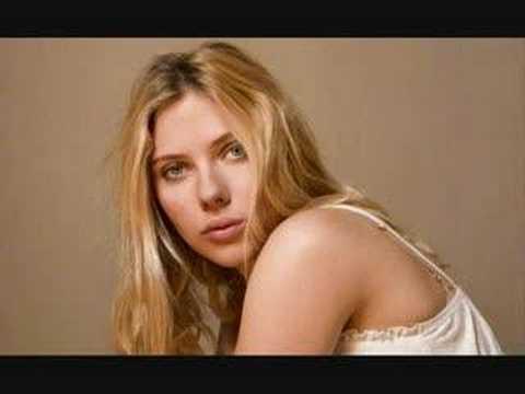 Scarlett Johansson-Falling Down (Live)