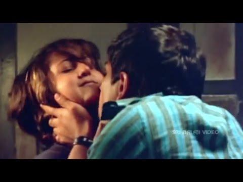 Yuva Movie Siddharth Intro Scene in Train   Suriya, Madhavan, Siddharth   Sri Balaji Video