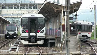 JR大糸線の白馬駅に集まる列車たち