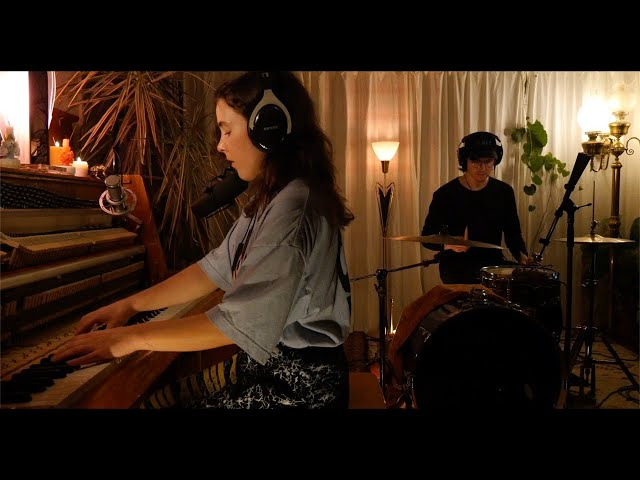 Purity Ring - sinew (acoustic)