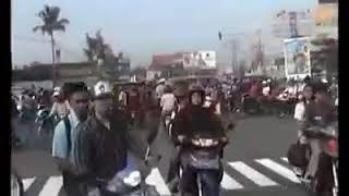 Download Video Mengenang gempa bumi jogja 27 mei 2006 MP3 3GP MP4