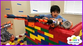 Repeat youtube video Nerf Gun War Kid vs Daddy! Protect the Fort! Family Fun Playtime with Ryan ToysReview