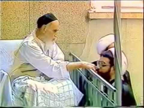 چرا دست امام را می بوسیدند