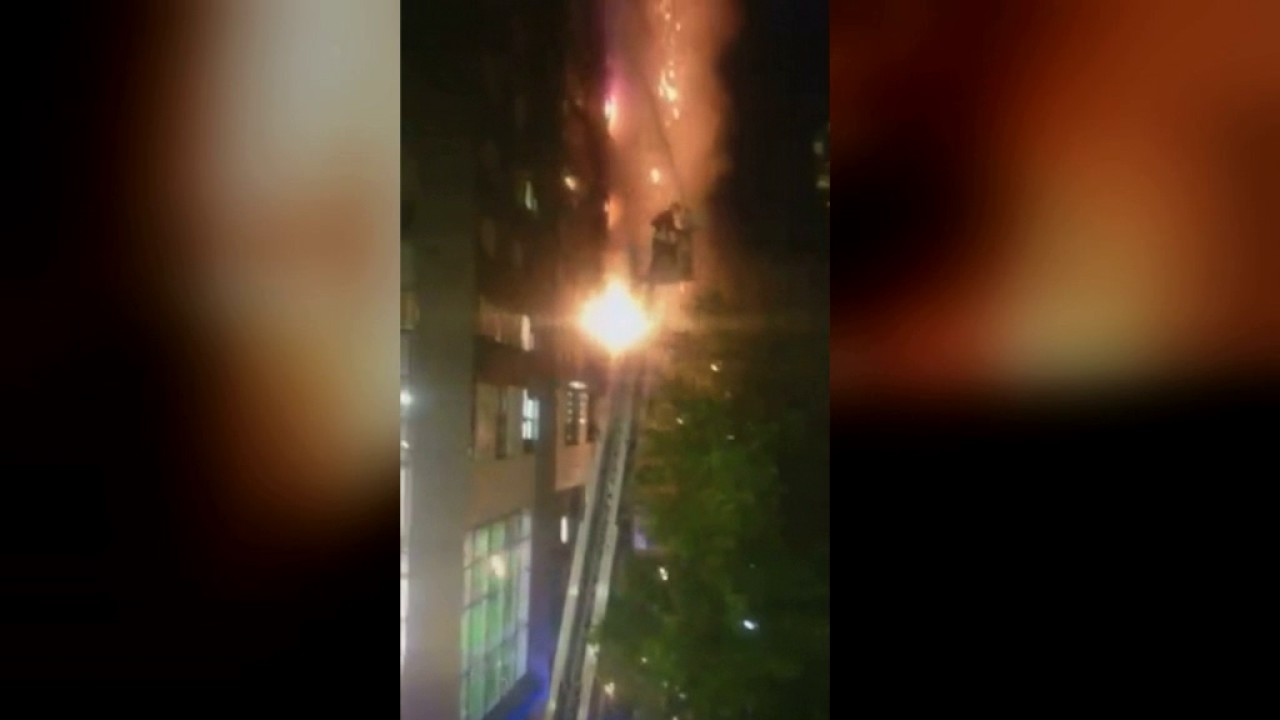 Mobile phone footage captures horrifying blaze - YouTube