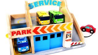 Little Bus Learn Colors with Garage Parking Playset for Children and Kids Car Wash