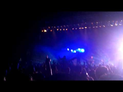 Rise Against-Give It All (Live @ The New York State Fairgrounds)