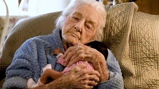 Dying 92-Year-Old Incredibly Lives On After Meeting Newborn Great-Granddaughter