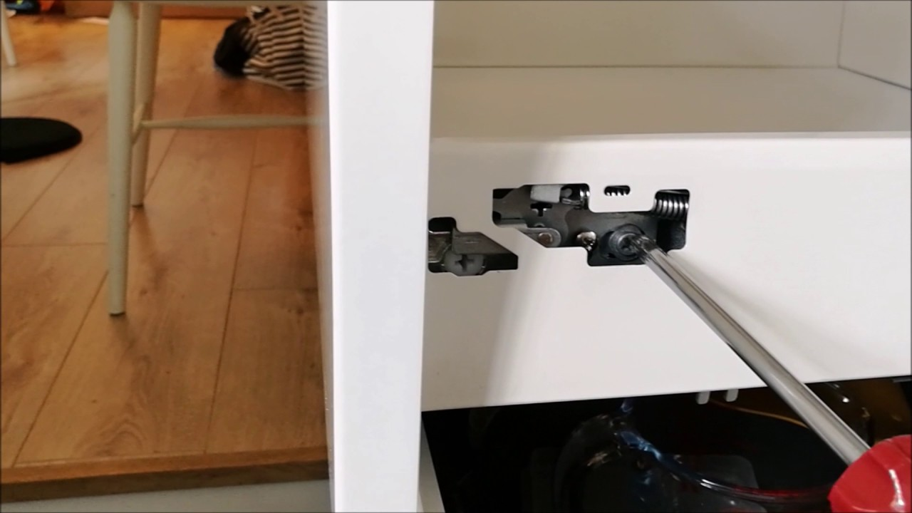 How to easily adjust wren kitchen soft close drawers new style 2016 17 drawer unit youtube for Bedroom furniture soft close drawers