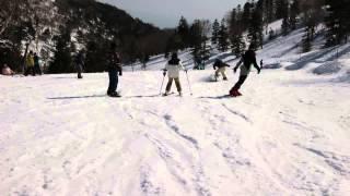 スキー3回目の小学3年生です。ボーゲンならどこでも滑れるようになりま...
