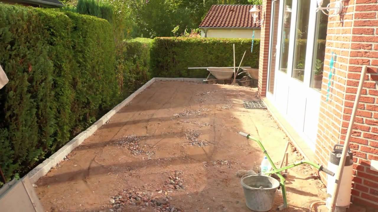 terrasse mit pflasterklinker youtube On gartenhauschen mit terrasse