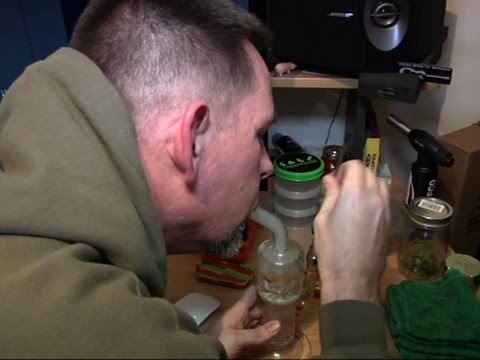 vets-use-pot-to-ease-ptsd-despite-scant-research