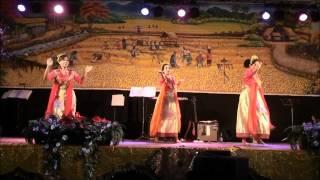 Dans van Nuansa Seni Indonesia op de Pasar Malam te Eindhoven op 6 ...