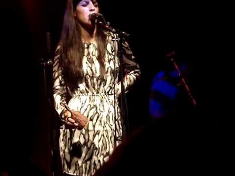 Brooke Fraser singing 'Jack Kerouac' in Nuremberg (Germany)